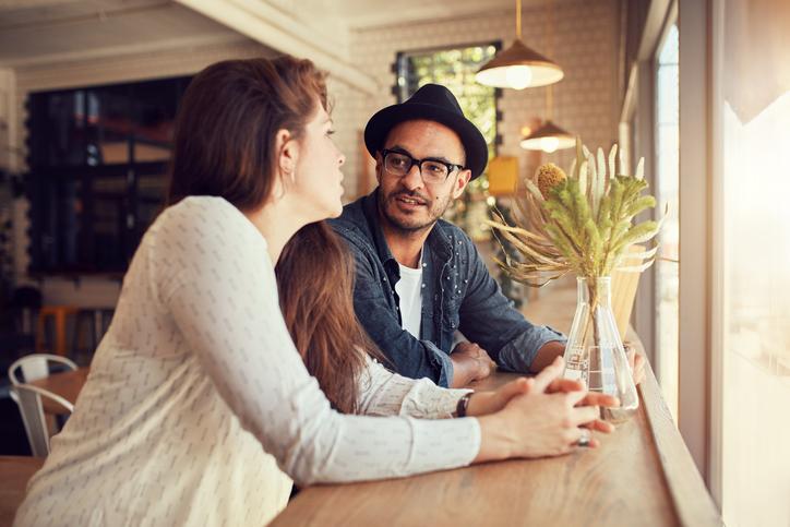 Hoe begin je een goed gesprek met een onbekende?