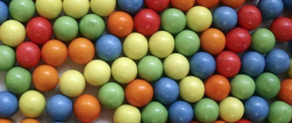 Hoe gevaarlijk is kauwgom inslikken