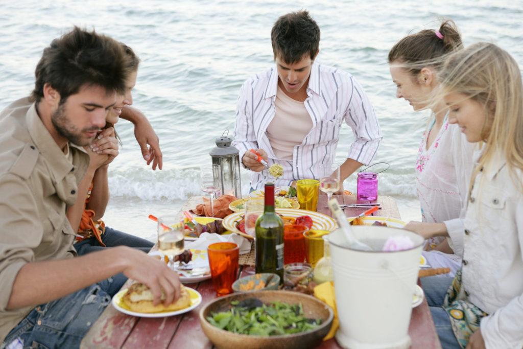 Hoe gezond op reis eten?