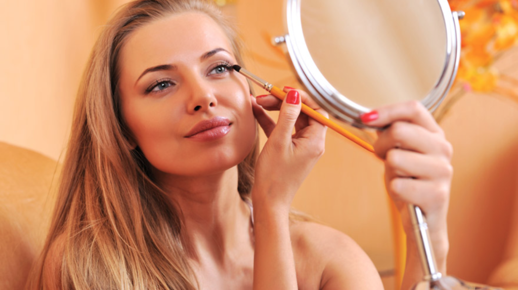 Hoe vaak maak je je make upkwasten schoon?