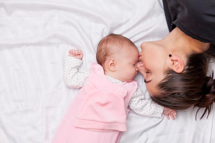 Hoe verandert je slaappatroon als je kindjes krijgt?