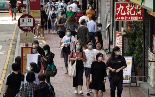 Chaque minute, 5 résidents de Hong Kong obtiennent un passeport britannique: se dirige-t-on vers un exode massif ?