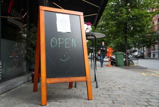 Belgische arbeidsmarkt herstelt stilaan: meer aanwervingen en gewerkte dagen