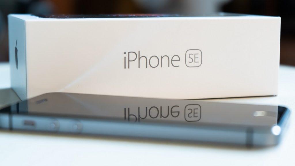 iPhone SE doos