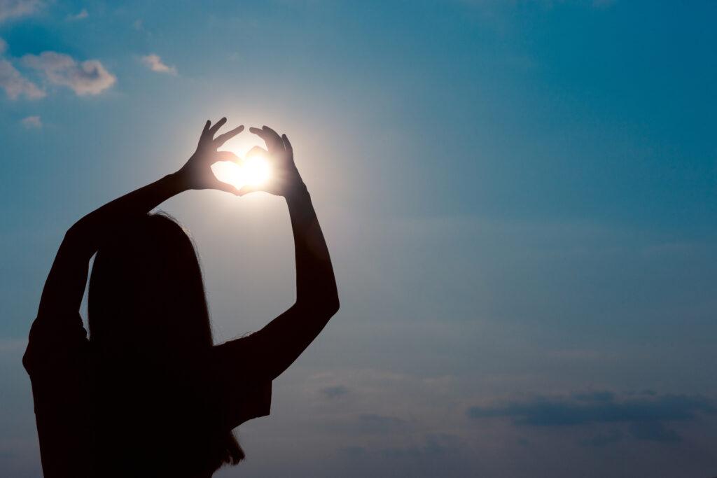 Waarom is vitamine D voor jonge kinderen, maar ook voor ouderen heel belangrijk?