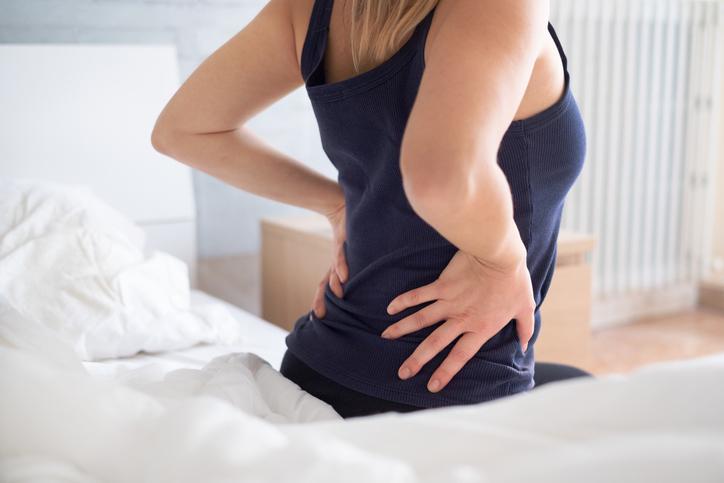 Zware lasten tillen nefast voor je rug? Professor Lieven Danneels beweert van niet (maar je moet het wél juist doen, natuurlijk)