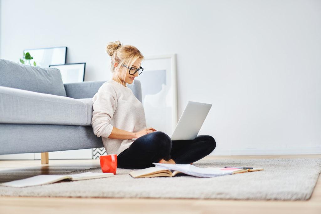 Hoe zorg je ervoor dat je thuiskantoor een gezonde en georganiseerde werkplek is?