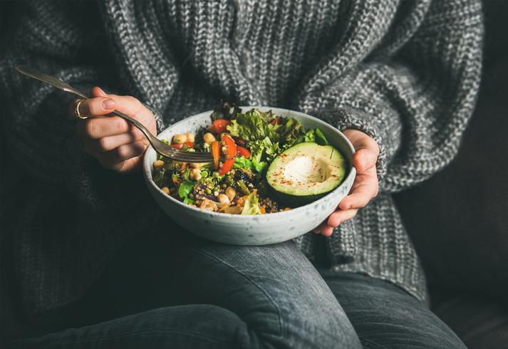 De juiste voeding op basis van je leeftijd: dit moet je eten wanneer je 20, 30, 40, 50 of 60 bent