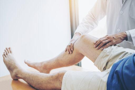 Drie manieren om osteoporose of poreuze botten te voorkomen
