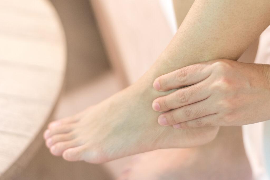 Daarom mag je gezwollen enkels of nachtelijke spierkrampen niet negeren