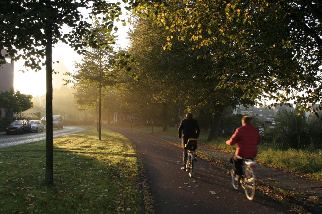 Daarom vermindert naar je werk fietsen de kans op kanker en hart- en vaatziekten