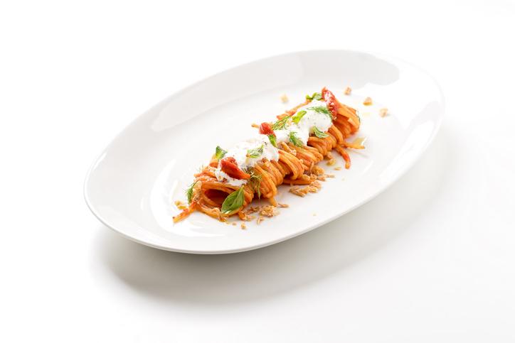 RECEPT Supersnelle pasta met champignons, spek en burrata