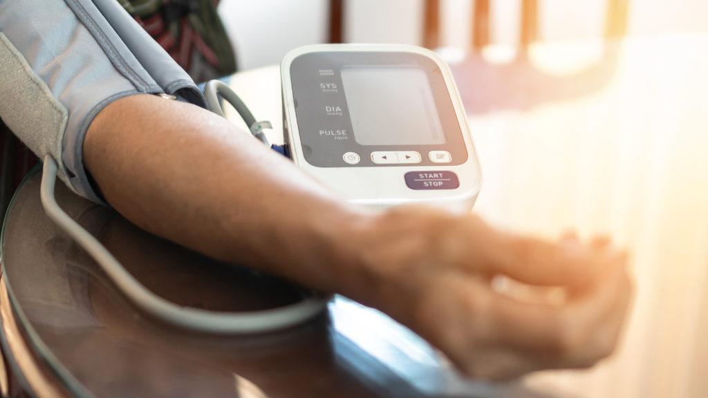 Hoge bloeddruk voorkomen en verhelpen via voeding