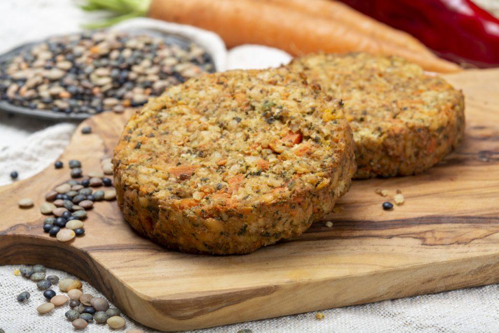 Zijn plantaardige hamburgers en aanverwante vleesalternatieven eigenlijk wel gezond?