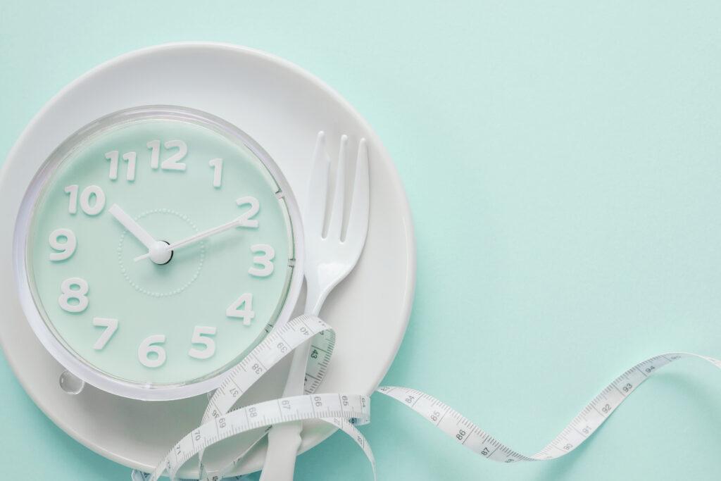 16 uur vasten, 8 uur eten. De gezondheidsvoordelen volgens sportarts Servaas Bingé