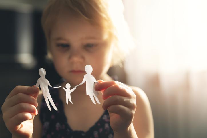 Survivalgids voor ouders: 10 belangrijke tips om bij een echtscheiding de impact op je kind zo klein mogelijk te houden