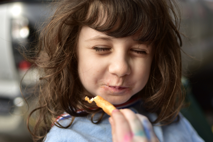 'Mama, ik lust dat niet!' De kinderdiëtiste geeft tips om je kroost te leren eten (én het ook gezellig te houden aan tafel)