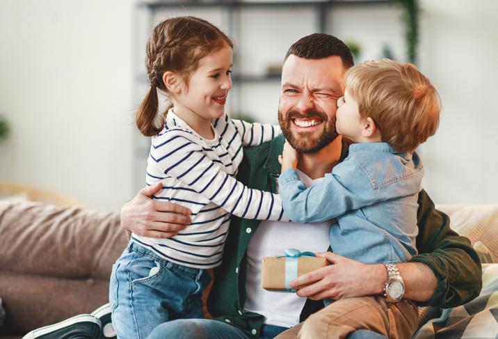 Zondag Vaderdag: 19 cadeaus waarmee je je papa écht blij maakt (wedden?)