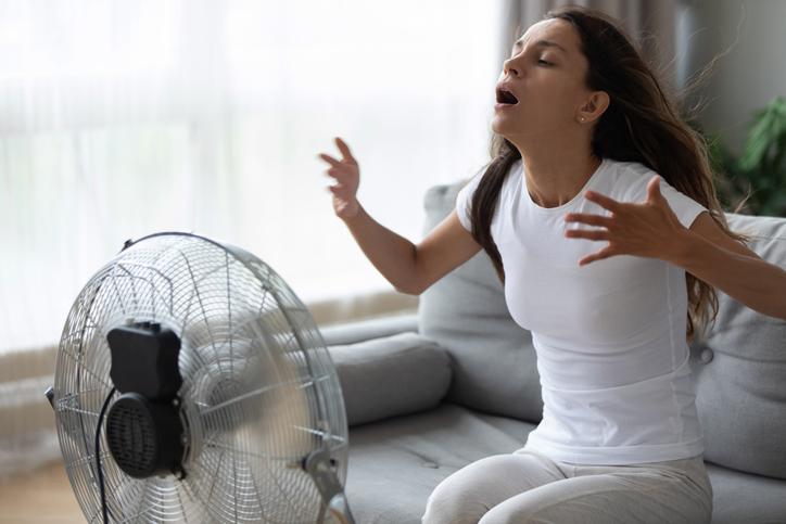 Feeling hot hot hot: 10 must-haves om het hoofd koel te houden op warme dagen als deze