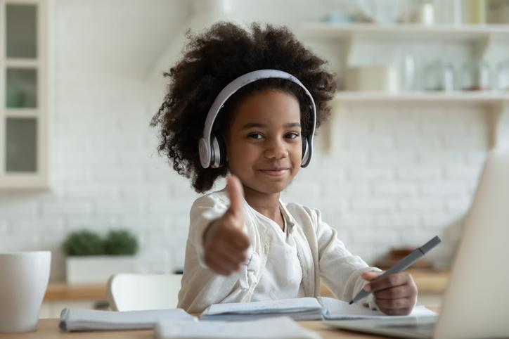 Survivalgids voor ouders: 8 tips om om te gaan met schooldruk