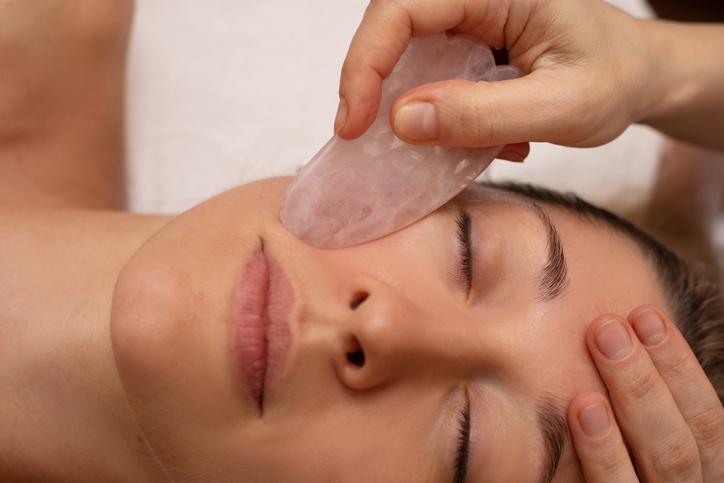 Geef je huid snel en makkelijk een natuurlijke boost met Gua Sha