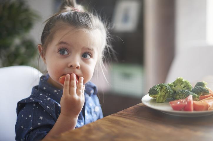 Mama, is er nog broccoli? 10 tips om je kinderen meer groenten te laten eten