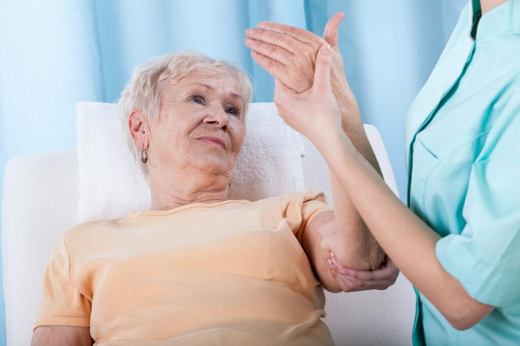 Het verschil tussen botdeficiëntie en osteoporose
