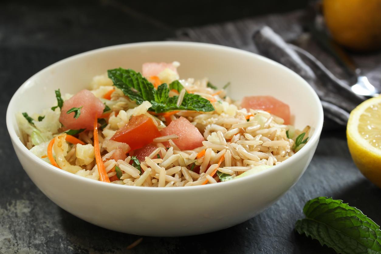 3 délicieuses salades de riz à préparer au micro-ondes