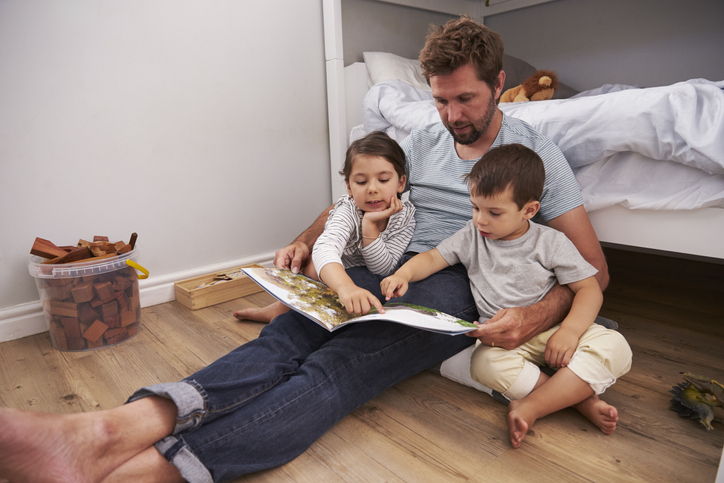 Rust, quality time én een beter taalgevoel: dit zijn de voordelen van voorlezen volgens de opvoedingsexpert