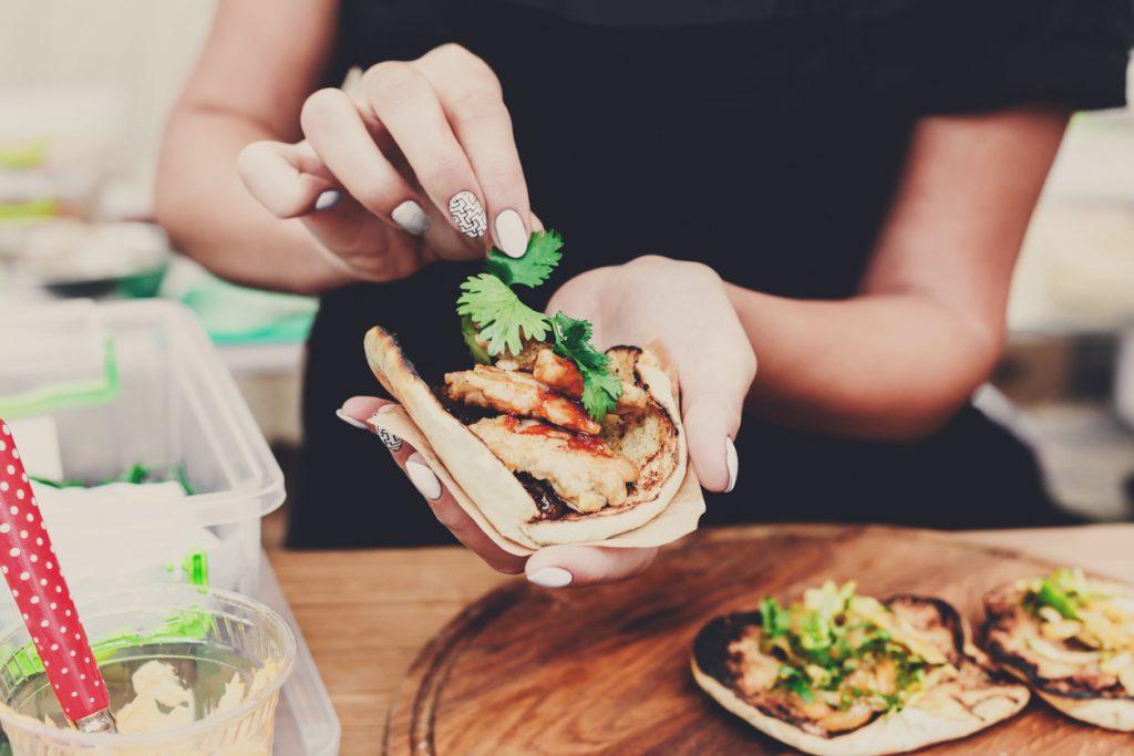 3 gezonde recepten met kip die je binnen het half uur op de tafel hebt