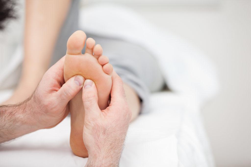 Hoe werkt voetreflexologie nu eigenlijk?