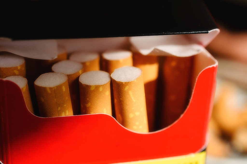 Neutrale pakjes sigaretten om rokers te doen dalen: zin of onzin?
