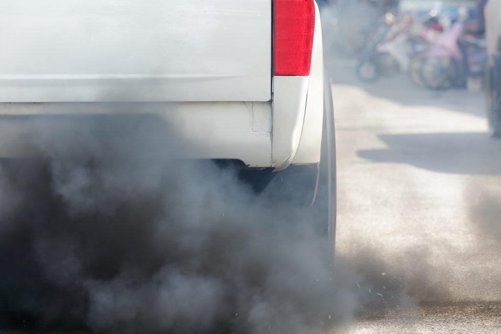 Wat kan je zelf doen tegen luchtvervuiling in huis?