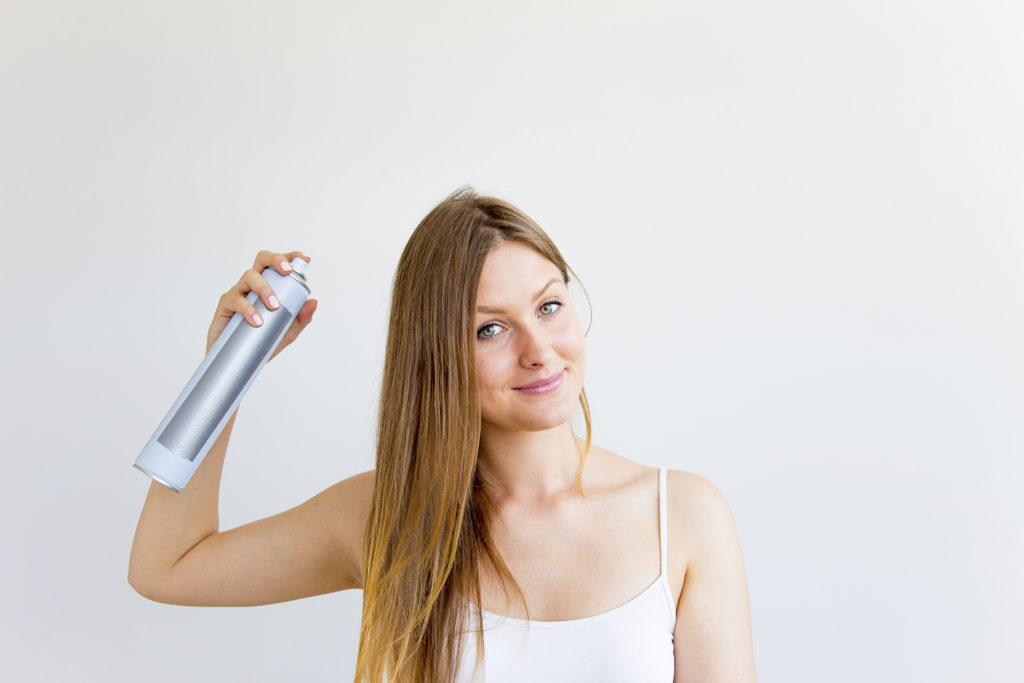 Handig tips & tricks om droogshampoo juist te gebruiken