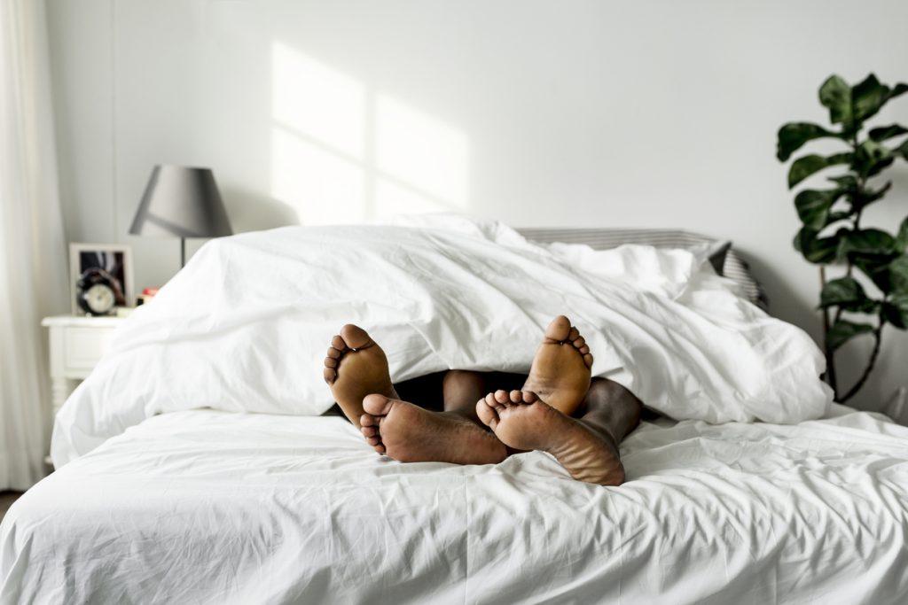 Tellen de uren voor middernacht dubbel? Onze slaapexpert geeft éindelijk uitsluitsel