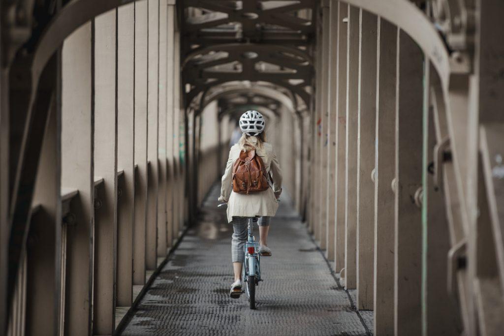 Nieuw onderzoek: naar je werk fietsen zorgt voor minder stress (en dat komt goed uit, want vandaag is het Car Free Workday)