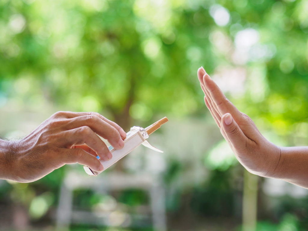 Ziekenhuizen openen deuren voor rokers op Werelddag Zonder Tabak