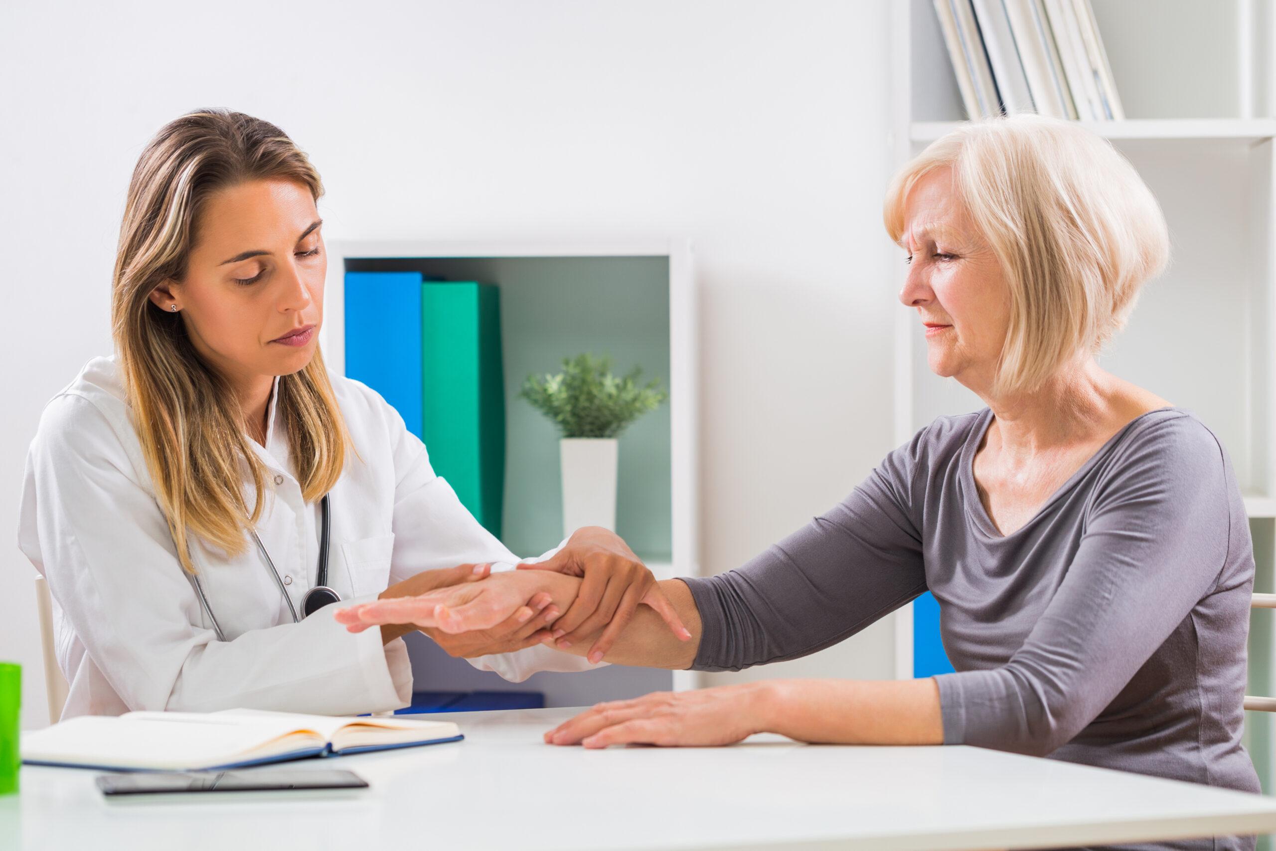 Ces 6 groupes ont un risque accru d'ostéoporose
