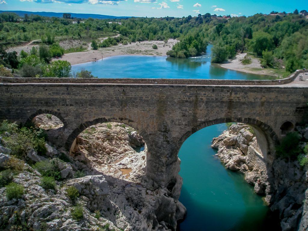 De Pont du Diable, een brug over de Hérault-rivier