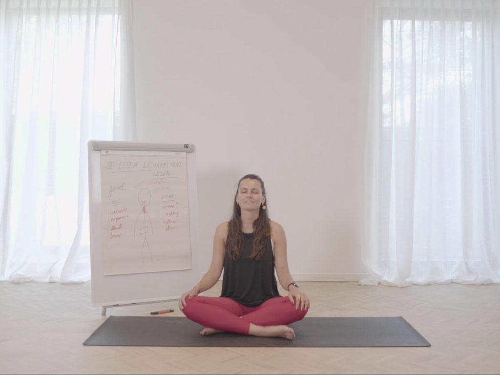 VIDEO Mentaal en fysiek gezond de lockdown door: stap voor stap je lichaam lezen