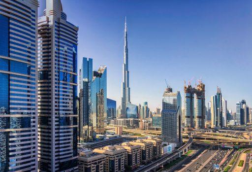 Dubaï charme les télétravailleurs en leur offrant un vaccin: 'la forteresse anti-Covid' n'est pourtant plus si idyllique