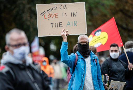 Bedreigt klimaatverandering de financiële stabiliteit? CO2-uitstoot klimt op agenda van de banken