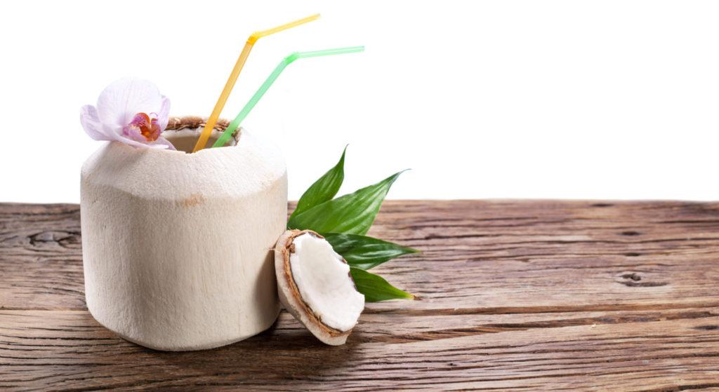 Het lekkere zomerse drankje: kokoswater
