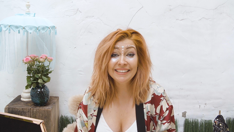 Make-up tutorial: Zo creëer je de mooiste, partyproof festivallook