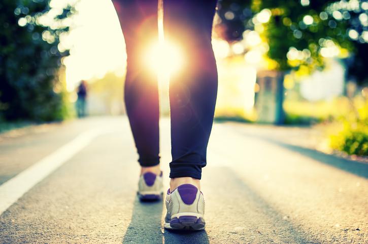 Met wandelen verbrand je meer calorieën dan gedacht!