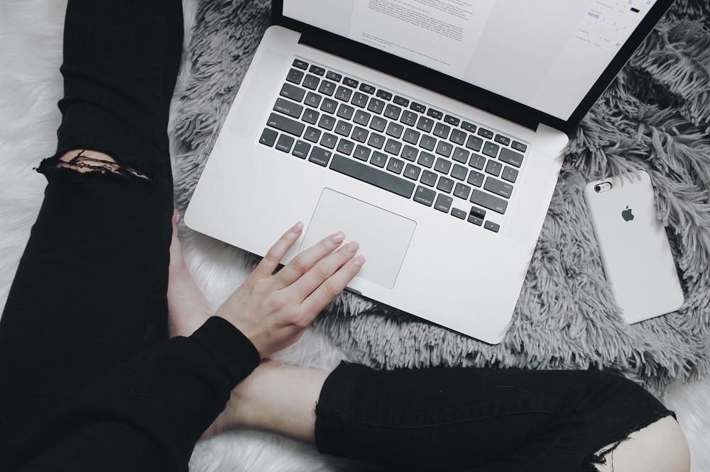 Thuiswerk kan je carrière schaden: 3 tips om toch je professionele doelen te halen