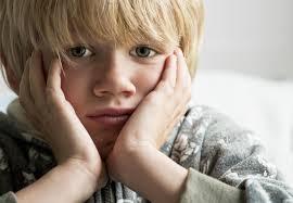 Negeer deze 6 signalen van kindermishandeling nooit
