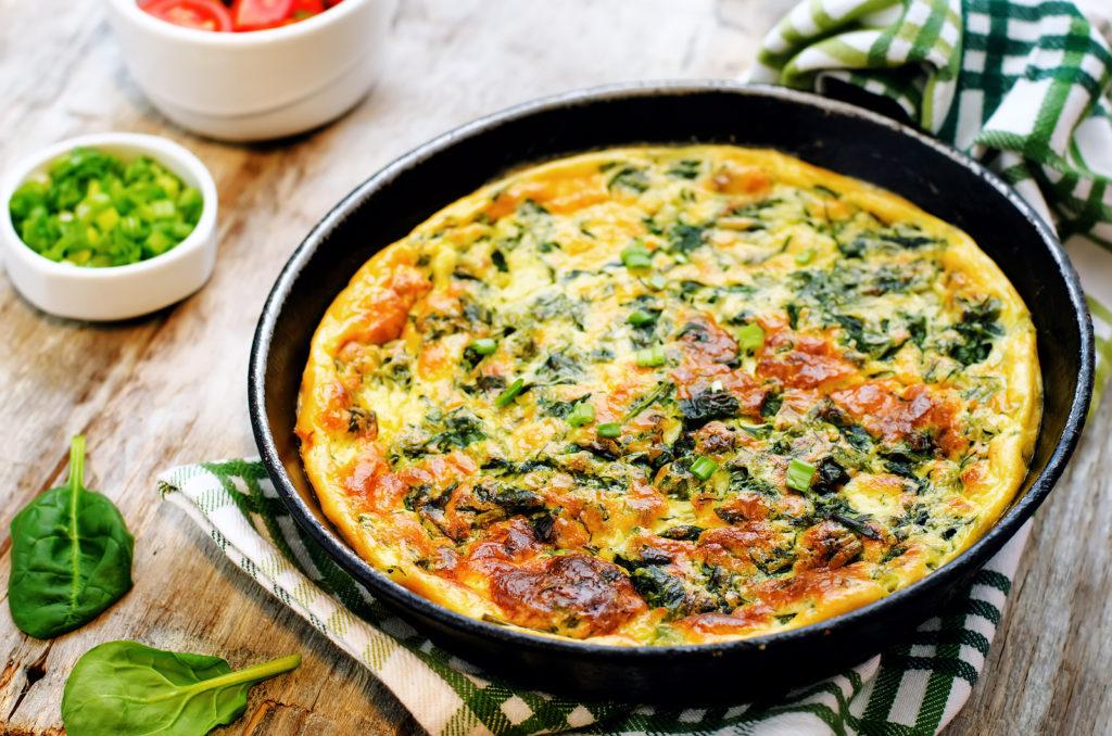 Omelet met prei en spinazie