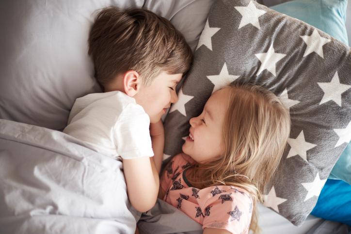 Onderzocht: Mensen met broers of zussen zijn succesvoller in het leven