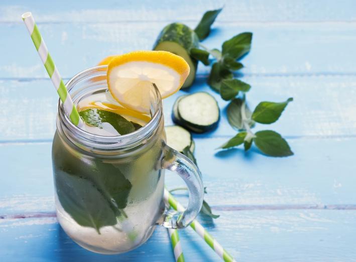 Pourquoi boire de l'eau avec du citron ?